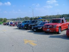 hooters car show DesMoines