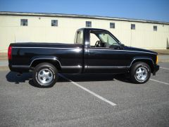 1993 GMC Sierra right side