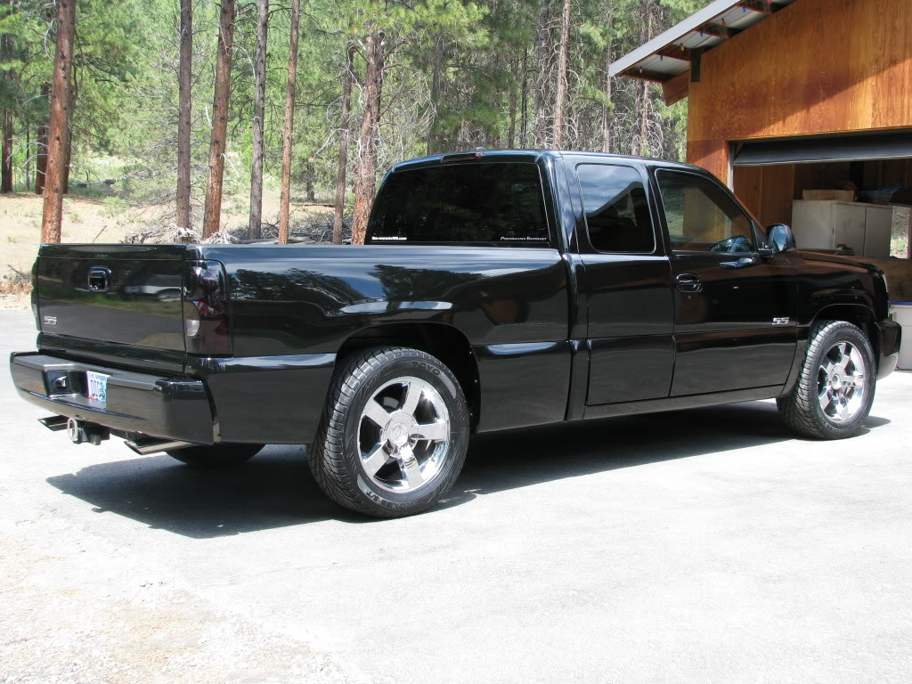 chevrolet silverado ss 2005 garage system. Black Bedroom Furniture Sets. Home Design Ideas