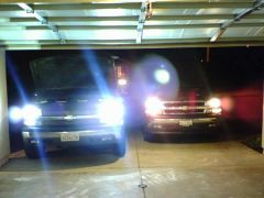6000k's on the left, stock HAlogens on the right